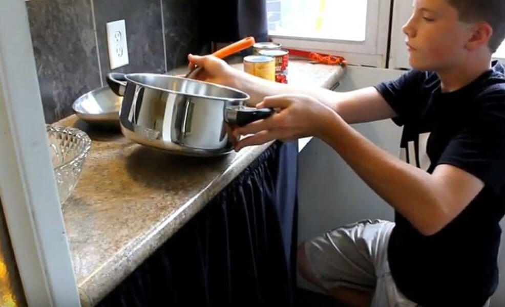 YouTube-luke-thill-tiny-house-cooking.jpg
