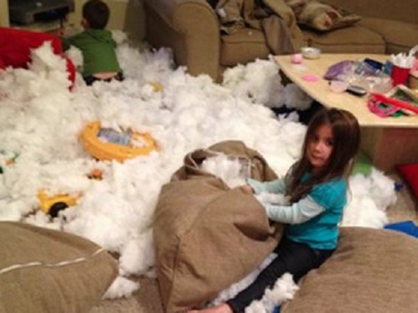 This Is Why You Don't Buy Pillows With Fluff Inside