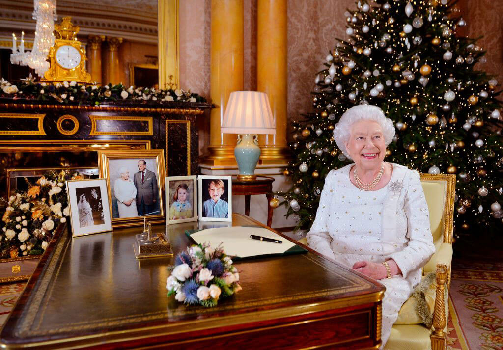 queen-cracking-us-up-christmas.jpg