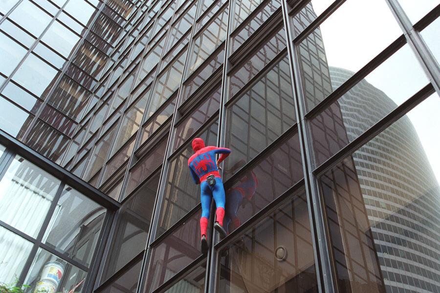 spiderman scaling building.jpg