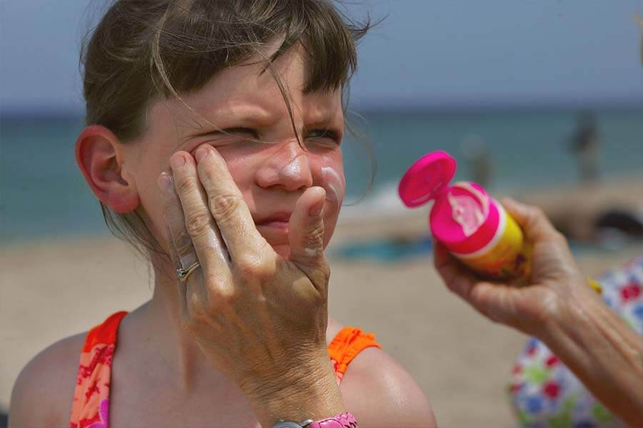 sunscreen reduces the risk of skin cancer.jpg