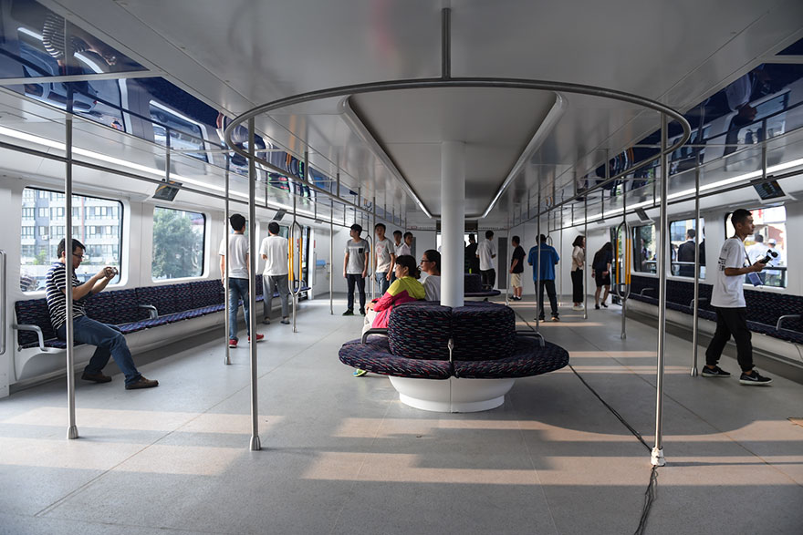 transit-elevated-bus-first-test-ride-qinhuangdao-china-5